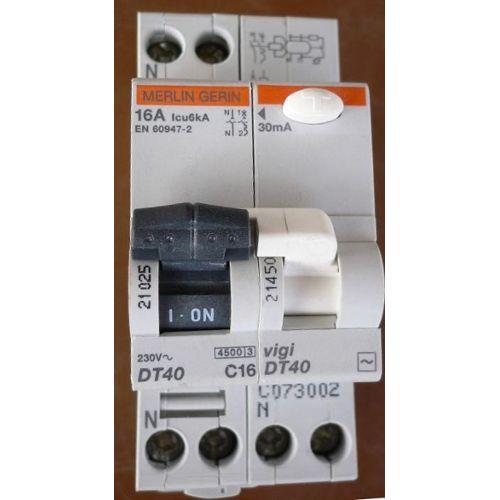 100x CF1//2WS-1R résistance carbon film tht 1Ω 500mW ± 5/% Ø2.3x6mm conduit
