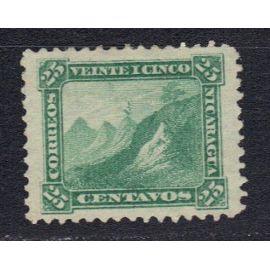 NICARAGUA 1869 : Armoiries : Bonnet phrygien au sommet du volcan Momotombo - Timbre 25 c. vert oblitéré cote 10 €