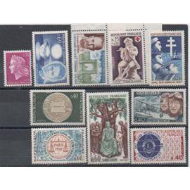France 1967/1968: Lot de 10 timbres neufs N° 1523,1527,1529,1532,1533,1534,1536,1539,1540,1542.