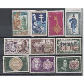 France 1967/1968: Lot de 10 timbres neufs N° 1532,1542,1549,1550,1551,1556,1559,1560,1561,1562