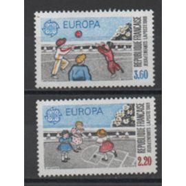 France 1989: Paire de timbres neufs Europa N° 2584 et 2585.