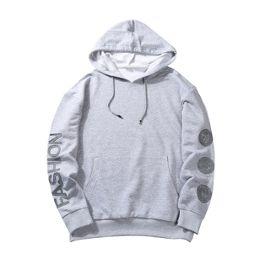 Sweatshirt homme à capuche Imprimé Sweat en coton de Manche longue mode Pull over décontractée avec badge Gris J350279