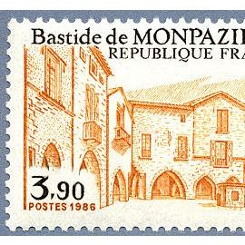 Timbre de 1986 Bastide de Monpazier - Dordogne Y&T 2405