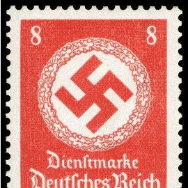 allemagne, 3ème reich 1942, très bel exemplaire neuf** luxe timbre de service yvert 131, croix gammée et couronne de feuilles de chêne, 8pf. rouge orange, sans filigrane.