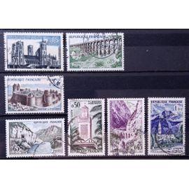 Série Touristique 1961 - 1235 Laon 1236 Fougères 1237 Kerrata 1238 Tlemcen 1239 Sioule 1240 Chaumont 1241 Grand Bénard Obl - France Année 1960 - N18451
