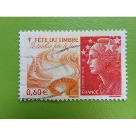 Timbre France YT 4688 - Fête du timbre - Le timbre fête le feu - Marianne et l