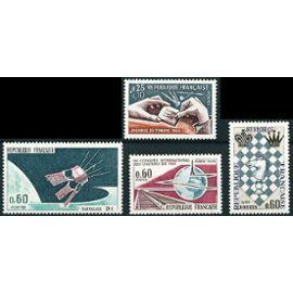 france 1966 très beaux timbres yv. 1476 Lancement du satellite D1 à Hammaguir, 1477 Journée du Timbre, 1480 Festival international d