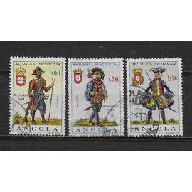 ANGOLA COLONIE PORTUGAISE 1966 : Uniformes militaires divers - Série de 3 timbres obltiérés