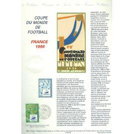 Collection Historique du Timbre Poste Français (Documents Officiels) 21 x 29.7 cm avec oblitération 1er jour : coupe monde football 1998 - sport terrain football + logo france 98