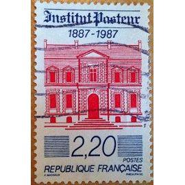 timbre de 1987 en très bon état n°2496.