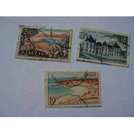 Lot de 3 timbres de série touristique N° 978 (Royan), N° 980 (château de Cheverny), N° 981 (Baie d