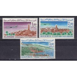 """ALGERIE 1967 POSTE AERIENNE : Avion """"Caravelle"""" et vue sur Ghardaïa, El Oued (Souf) et Tipasa - Série entière de 3 timbres NEUFS ** cote 14,55 ¿"""