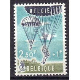 """BELGIQUE 1960 : """"Parachutisme"""" : Descente - Timbre 2 F. 50 + 1 F. bleu-vert, olive et noir  NEUF ** cote 5,75 €"""