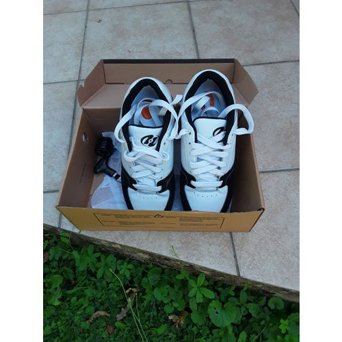 design de qualité 31e2e 50092 Chaussure noir et blanc heelys garçon