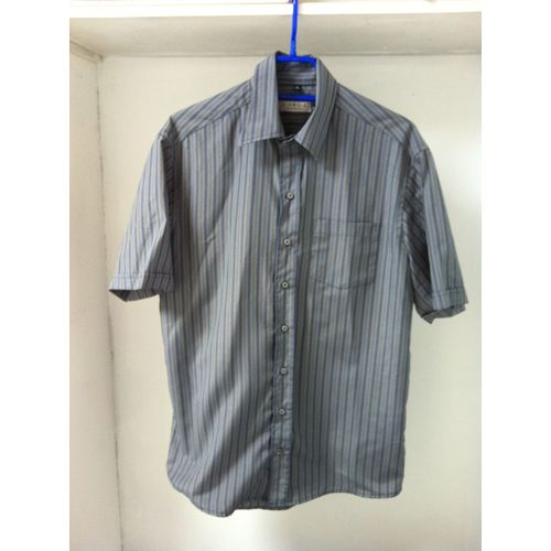 Chemise C&A manches courtes taille M