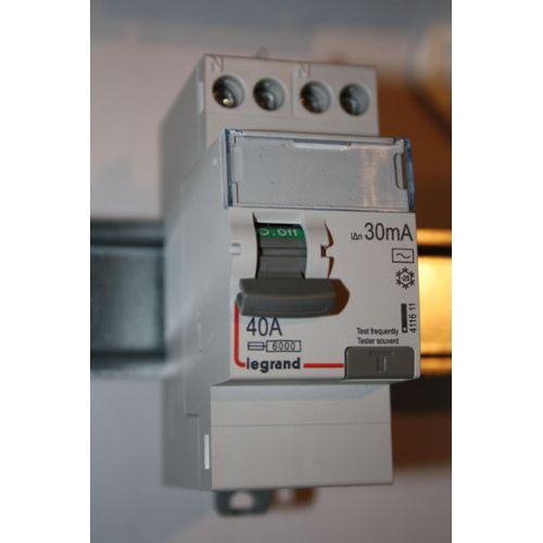 10 amp triple 3G 2 voie MATT satin chrome brossé plat 3 Gang interrupteur