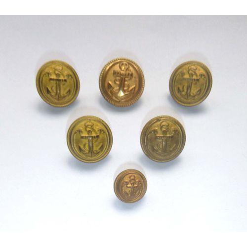 beau de mercerie  lot de 6 boutons anciens