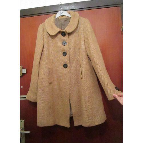 le dernier 054fe 82539 Manteau Etam mi-long, couleur caramel ou beige foncé ou marron clair ou  camel. Vraiment magnifique, avec gros boutons marron. Taille grand 38 ou  38/40 ...