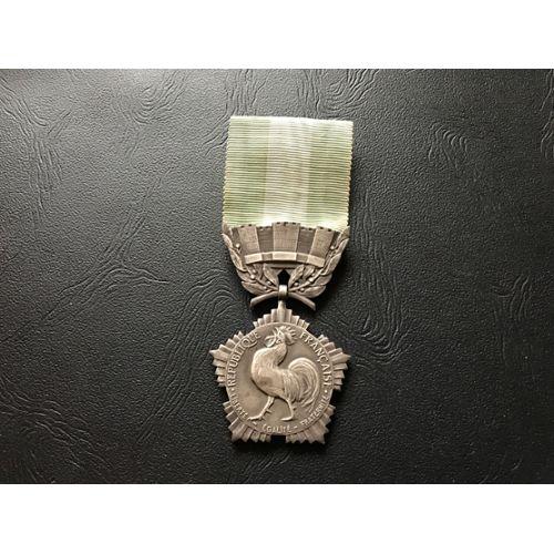 Brillant Cristal Paillettes Médaille Strass Badge Applique Patch Vêtements